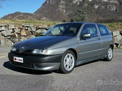 usata Alfa Romeo 145 2.0 16V Twin Spark Quadrifoglio