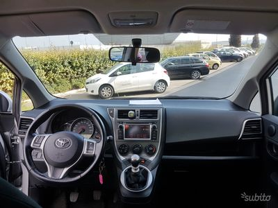 usata Toyota Verso-S - 2011