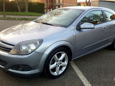 second-hand Opel Astra GTC 1.7 CDTi 101cv Cosmo 3PT Clima*17