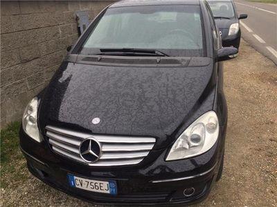 usata Mercedes 180 Classe B -enzCdi Chrome Tetto E Frizione E Volano Nuovi Usato