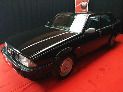 usata Alfa Romeo 75 3.0cc V6 quadrifoglio verde certificata ASI