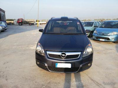 usata Opel Zafira - 2006 1.9 CDTI 120 (cv) COSMO 7 POSTI