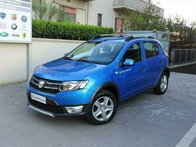 usata Dacia Sandero stepway 1.5 dci 90cv navi/bluetooth