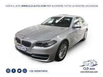 usata BMW 518 berlina luxury automatico navi pelle sensori EURO6