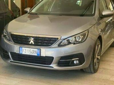 usata Peugeot 308 1.5 berlina 5 porte 2019