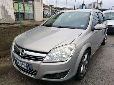 usata Opel Astra 1.6 16V VVT Station Wagon Club