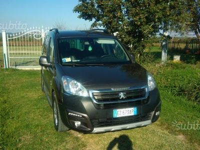 second-hand Peugeot Partner Tepee BlueHDi 100 Outdoor