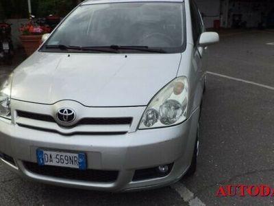 usata Toyota Corolla Verso 2.2 16V D-4D