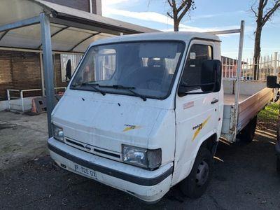 usado Nissan Trade 3.0 diesel PM-TB Cabinato