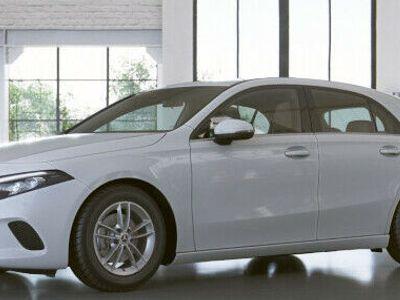 usata Mercedes A180 bz CAMBIO AUTO,FULL LED,NAVI,MBUX,SENSORI,TELECAM.