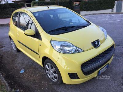 usata Peugeot 107 1.0 benzina automatica