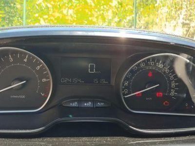 usata Peugeot 208 signature