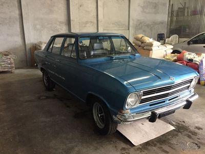 usado Opel Kadett berlina