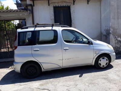 brugt Toyota Yaris Verso 1.3i 16V cat 5 porte aut. Sol