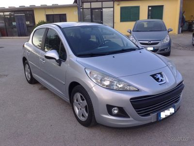 used Peugeot 207 1.4hdi 70cv Special Edition - 2011