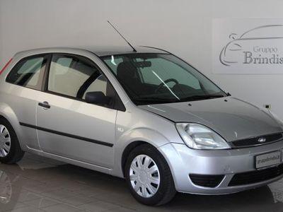 gebraucht Ford Fiesta usata del 2004 a Potenza, Km 178.472