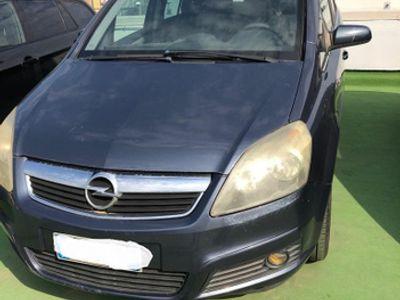 usata Opel Zafira 1.9 150 cv 6 marce 7 posti tasto sport