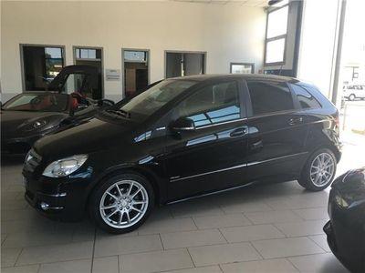 usata Mercedes 180 Classe B -enzLueefficiency Premium Gpl Navi Tetto Cerchi 17p Usato