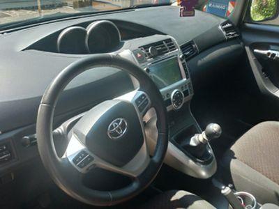 usata Toyota Verso - 2011