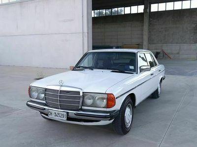 usata Mercedes 200 (W123) 1980
