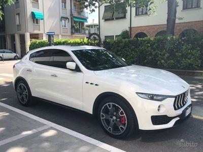 brugt Maserati Levante 3.0d V6 275 CV 4-AWD TETTO PANORA