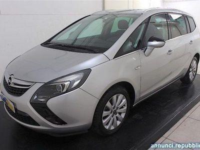 usata Opel Zafira 2.0 CDTi 110CV Cosmo 7 posti Pescara