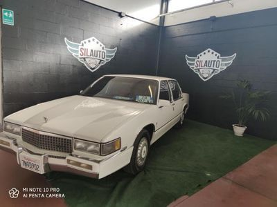 usata Cadillac Deville PERFETTA targata IT A GENNAIO 2020