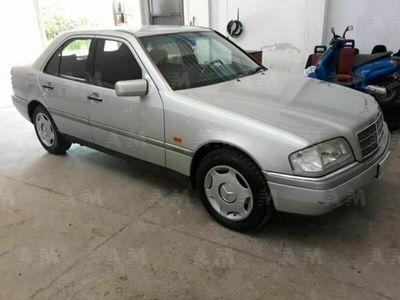 usata Mercedes C180 solo 140.000 KM tenuta con c
