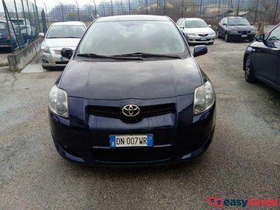 używany Toyota Auris 2.2 D-Cat 3 porte
