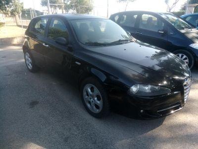 usata Alfa Romeo 147 1.9 JTD (120) 5 porte Distinctive