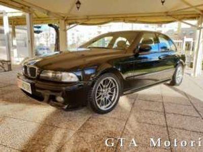 usata BMW M5 pari al nuvo book service benzina