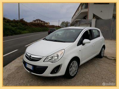 usata Opel Corsa 1.0 benzina 65 cv del 2012