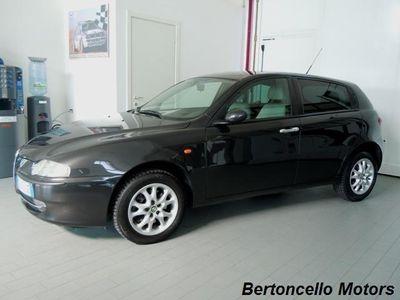 gebraucht Alfa Romeo 147 1.9 JTD 16V cat 5 porte Distinctive
