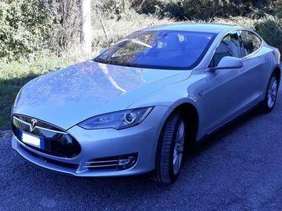usata Tesla Model S P85 con motore nuovo, AP1 e Supercharger