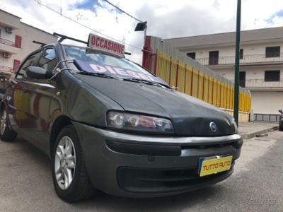 usado Fiat Punto 1,9 diesel 2004 5p full opt
