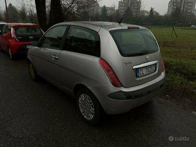 usata Lancia Ypsilon 1.2 benzina anno 2005