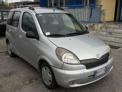 usata Toyota Yaris 1.3 benzina km 70.000 - 2001