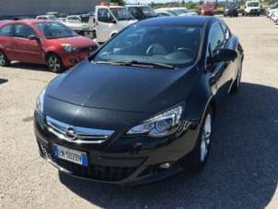 usata Opel Astra GTC 1.6 turbo 180cv 3 porte cosmo s benzina
