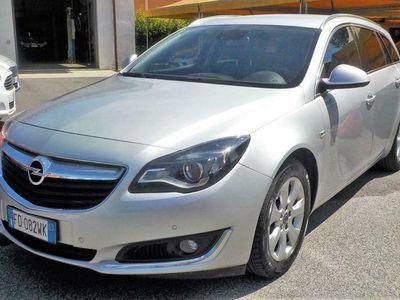 begagnad Opel Insignia 1.6 CDTI 136CV Sports Tourer aut. Cosmo