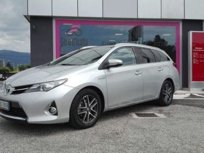 second-hand Toyota Auris Touring Sports 1.8 Hybrid Active