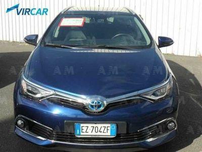 usado Toyota Auris Hybrid 5 porte Lounge del 2015 usata a Catania
