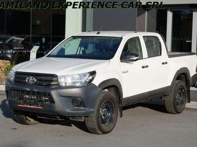 usata Toyota HiLux 2.4 D-4D 4WD 4 porte DC - PRONTA CONSEGNA