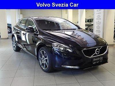 usata Volvo V40 km 0 del 2017 a Milano, E.22.370