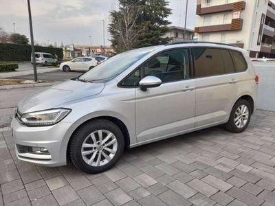 usata VW Touran 2.0 Tdi DSG Business....a € 285 mese