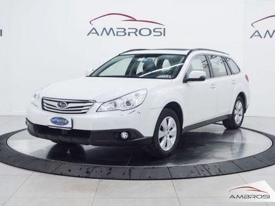 usata Subaru Outback 2.5i Bi-Fuel Trend Limited del 2014 usata a Viterbo