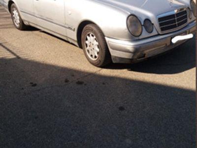 gebraucht Mercedes 290 classe E usata