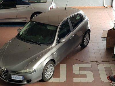 """usata Alfa Romeo 147 1.9 JTD (120)5 porte Distinctive"""""""