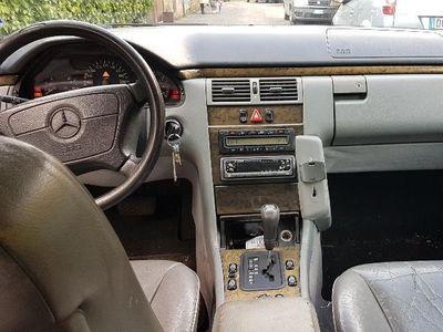 usata Mercedes E200 cat Station Wagon Avantgarde