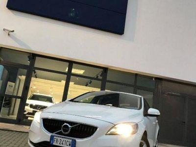 begagnad Volvo V40 D2 del 2018 usata a Spineto Scrivia