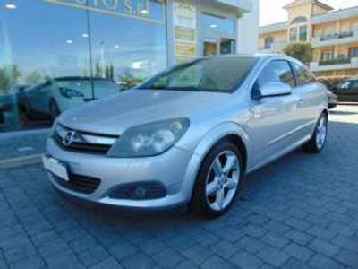 usata Opel Astra GTC 1.6 16v twinport 3 porte cosmo benzina